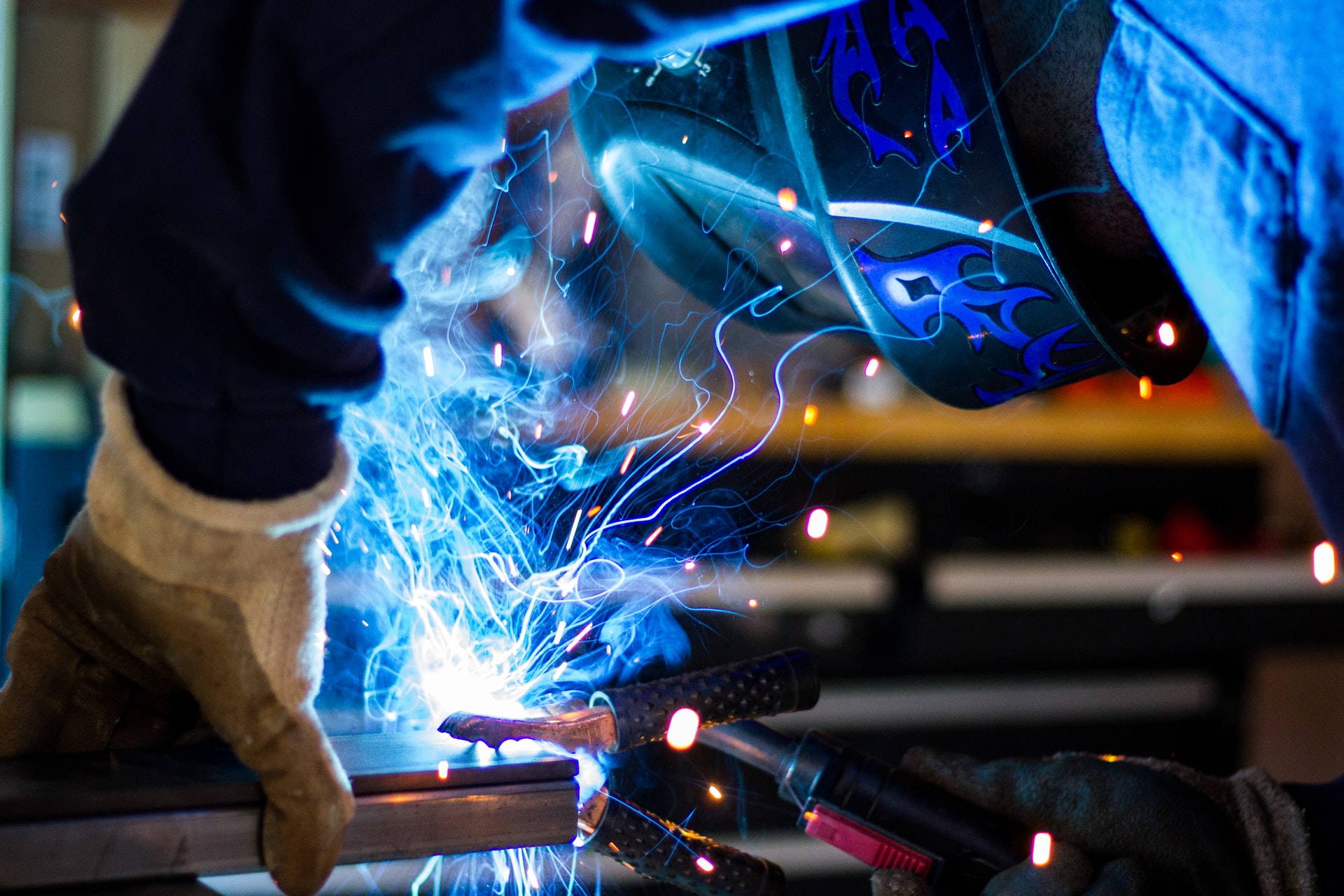 4 Good-paying Jobs that Only Require a High School Diploma (Skilled Trades)