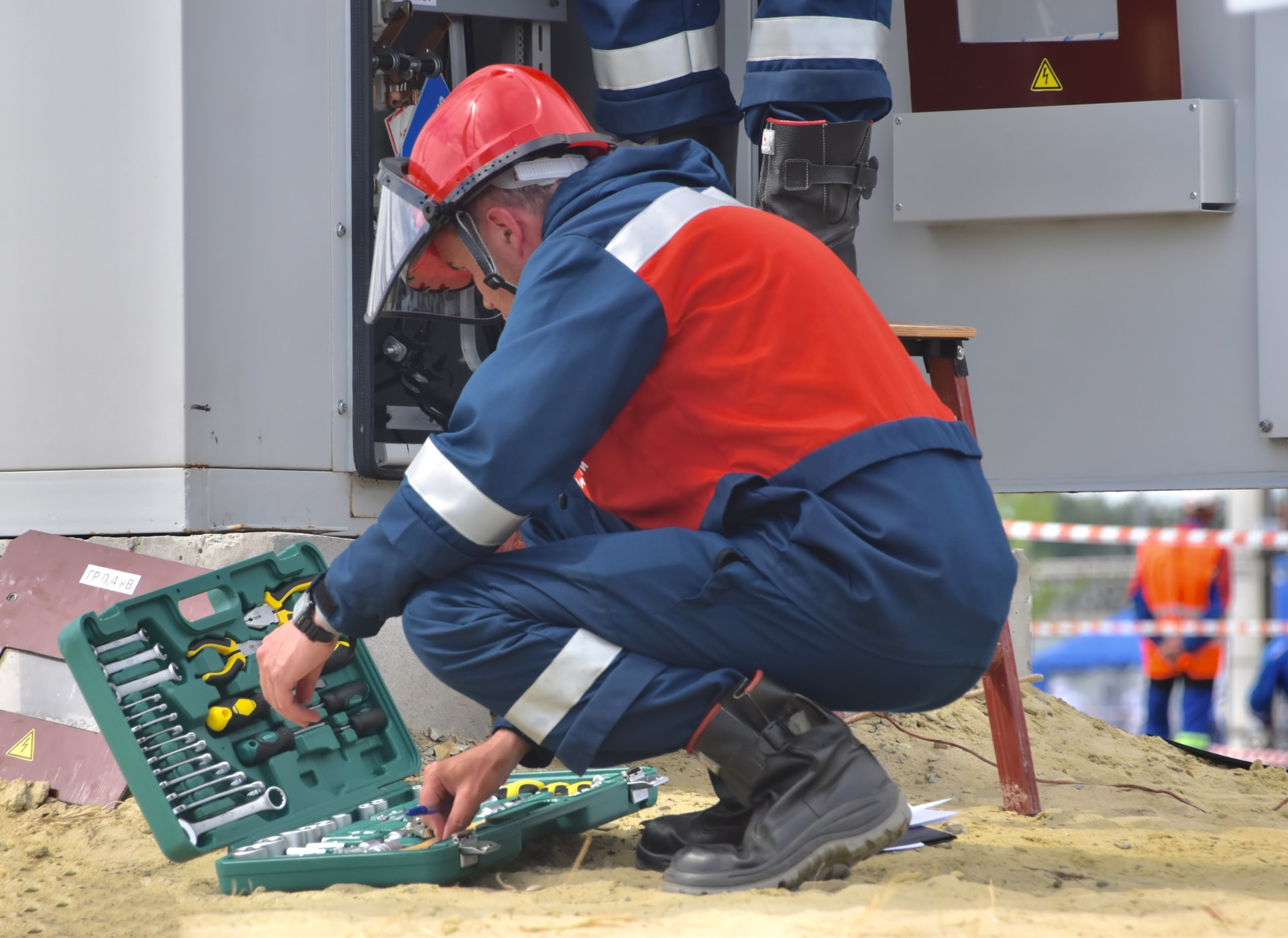 4 Good-paying Jobs that Only Require a High School Diploma on Skilled Trades Electrical Technician online certification course